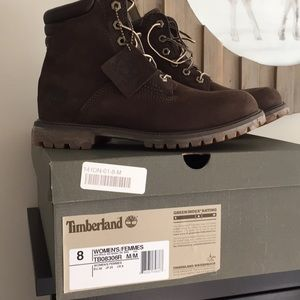 Timberland Waterville 6 in dark brown nubuck boots